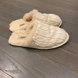 UGG sweater skit scuffette slipper